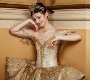 Alina Cojocaru (London Opera prima ballerina)