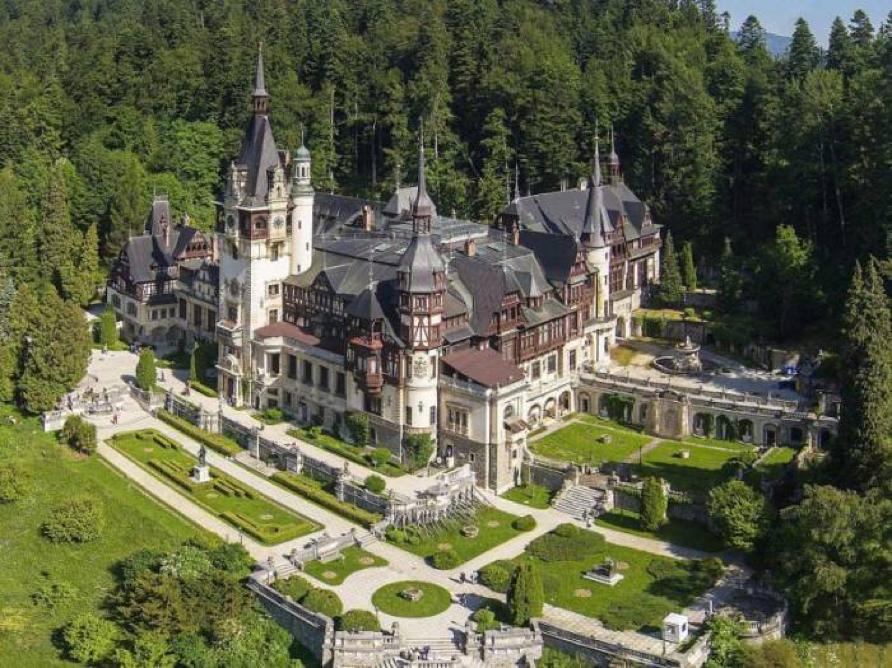 Peles castle was the residence of the Romanian royalty until 1948. Now it is a museum.